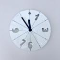 Porcelánové hodiny-modré čáry, čísla